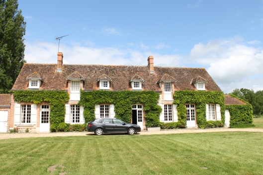 L'Ejumeau, a farmhouse that sleeps 13 people on a 100-acre estate in the Solange.