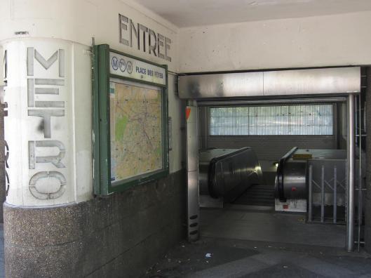 Place des Fêtes Métro Station
