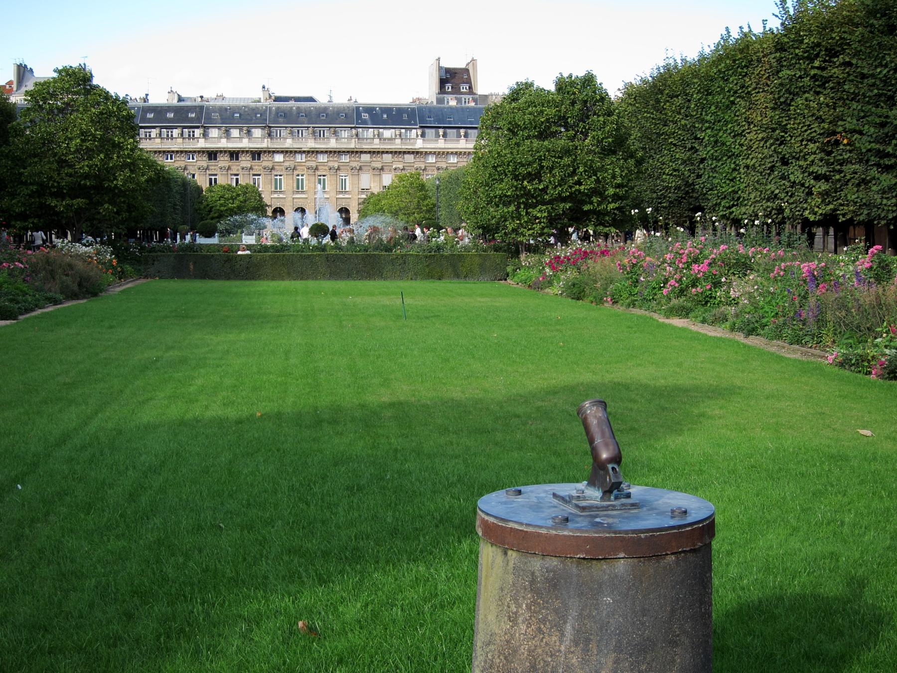 Le Petit Canon du Palais Royal