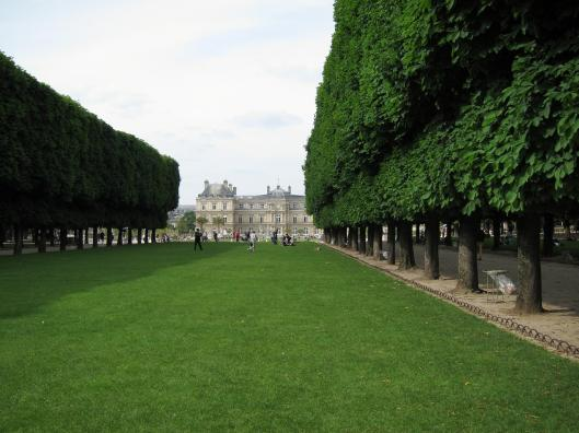 """Pelouse interdit"" at the Jardin de Luxumbourg, with the Senat."