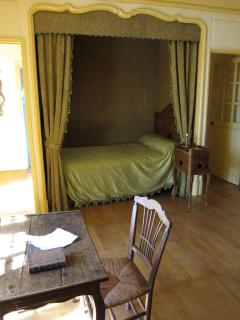 Rousseau's bedroom.