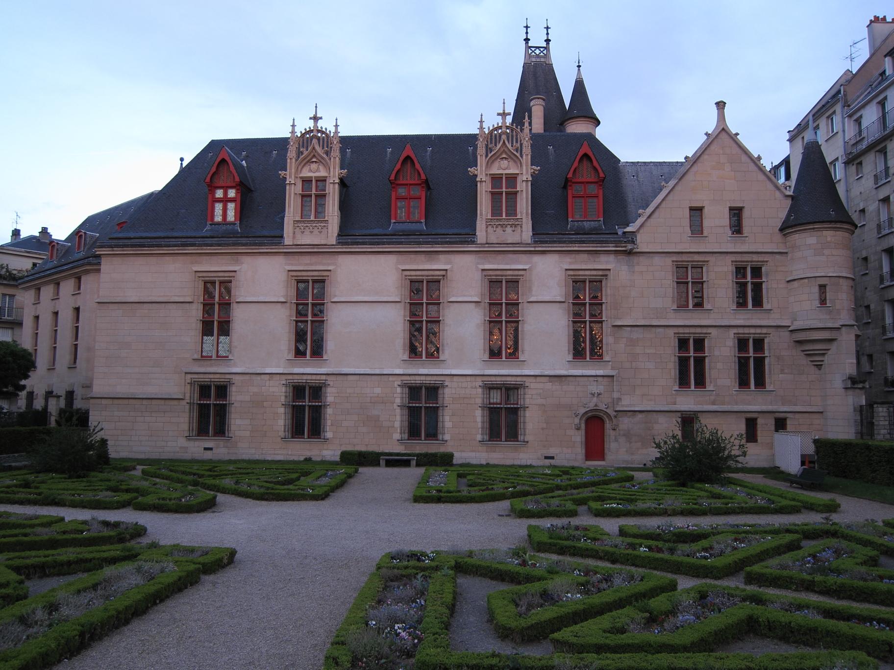 Hôtel de Sens at sunset.