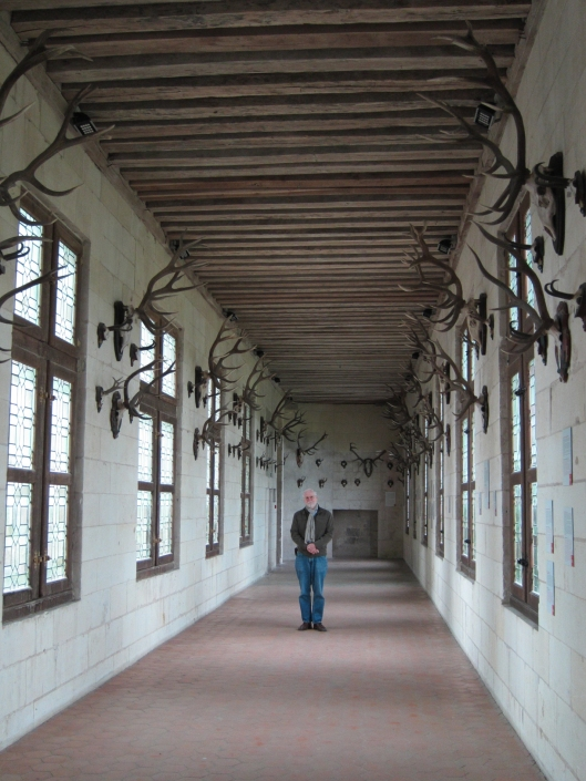 Bob in the hall of trophies, at le château de Chambord.