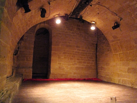 The tiny stage of Théâtre de l'Essaïon, near the Pompidou Center.
