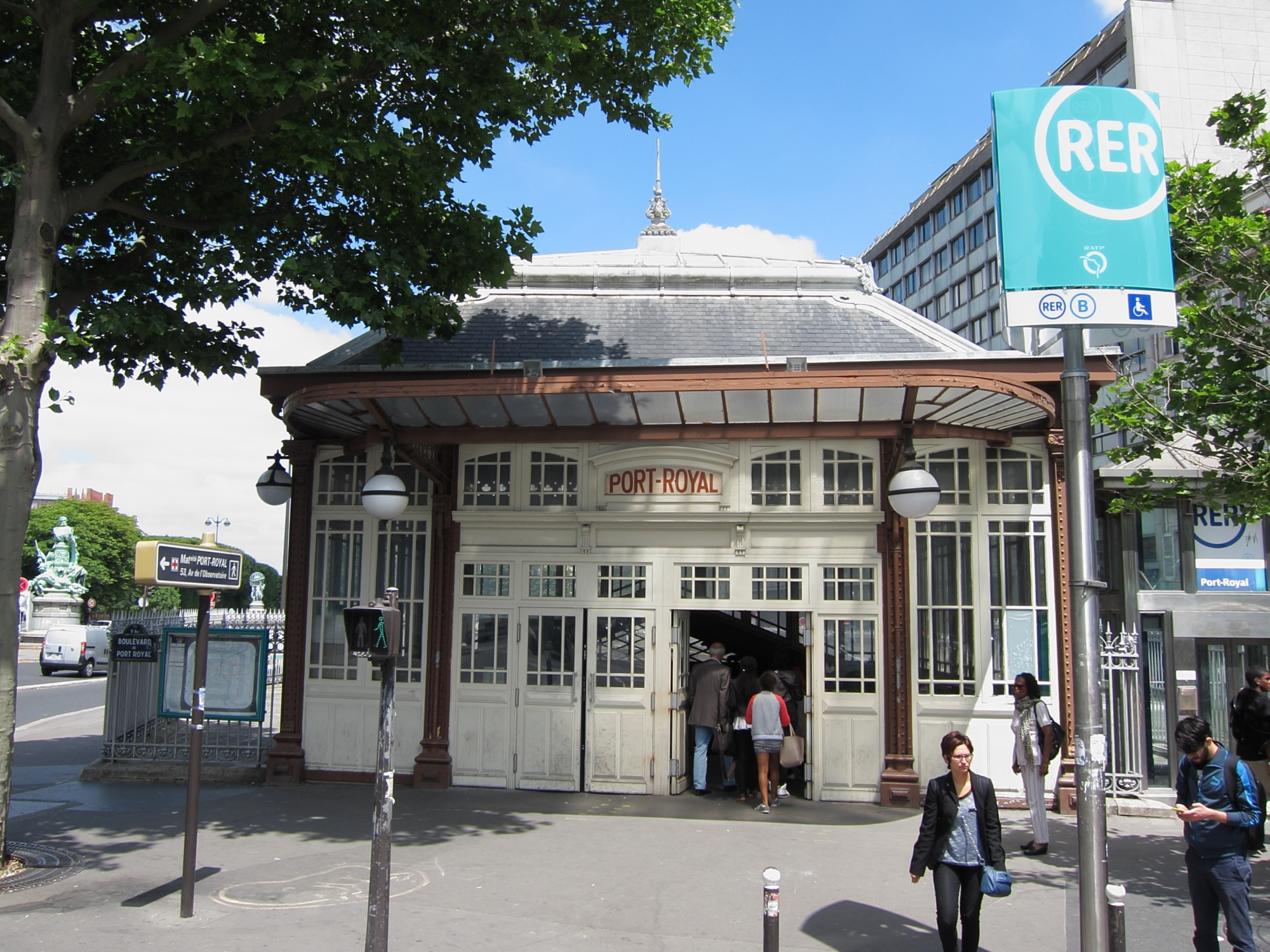 RER (suburban rail) station at Port-Royal.