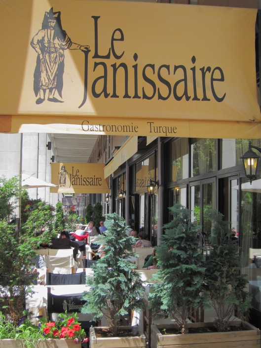 The sunny terrace of Le Janissaire, a Turkish restaurant near métro Daumesnil.