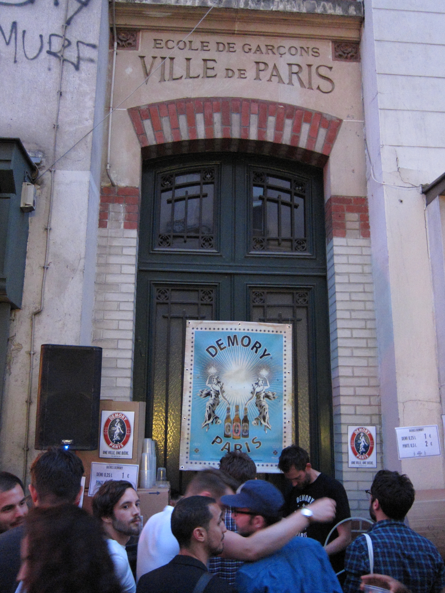 A pint of beer was 7 euros in the gay-bar area but I shopped around and bought my pint for 2 euros at this Ecole de Garçons (School for Boys).
