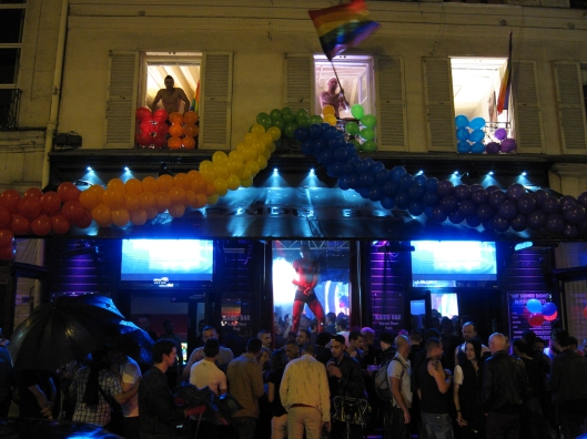 Raidd Bar on the evening of Paris Pride (la Marche des Fiertés).