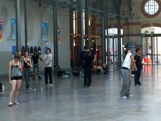 Jugglers at Centquatre (104).