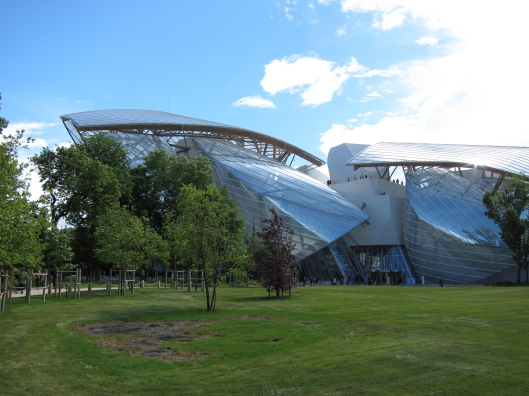 Fondation Louis Vuitton viewed from the Jardin d'Acclimatation.