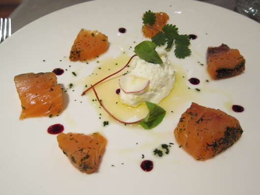 My delicious salmon appetizer at 16 Haussmann.