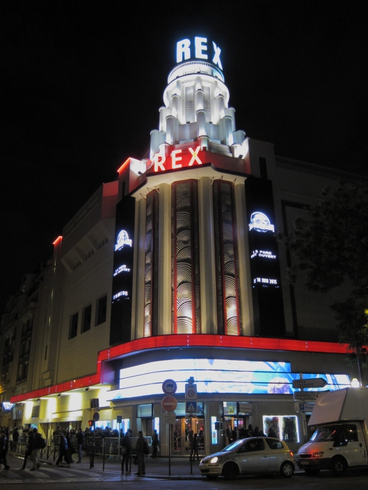 The Grand Rex at night.