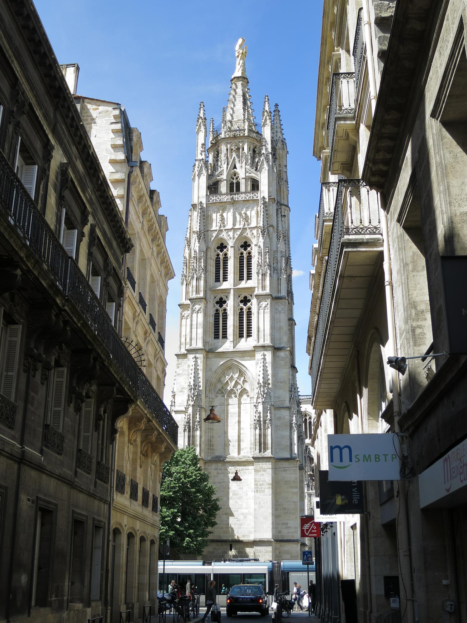 La tour Pey-Berland, next to the Bordeaux Cathedral.
