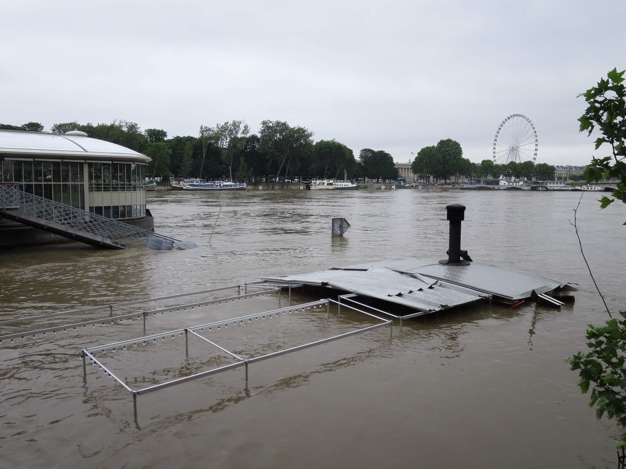 Inundated restaurant on the bank of the Seine during the Great Flood of 2016