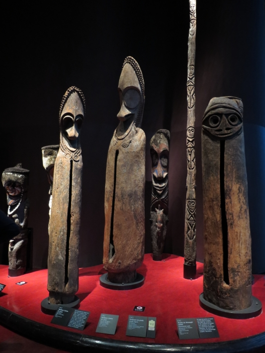 Ceremonial poles from several islands, at the Musée du quai Branly