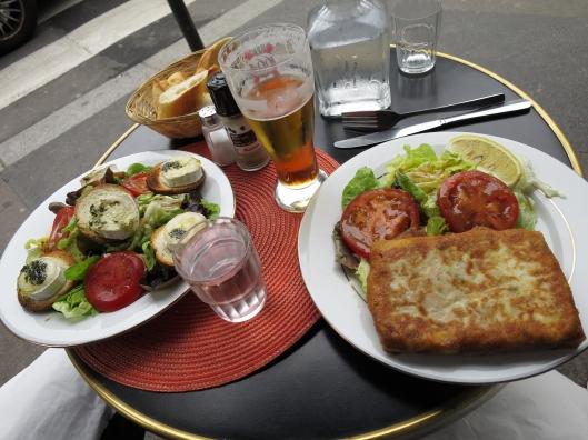 Not-terribly-good lunch on rue Botzaris