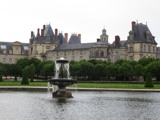 Fontainebleau from the grounds