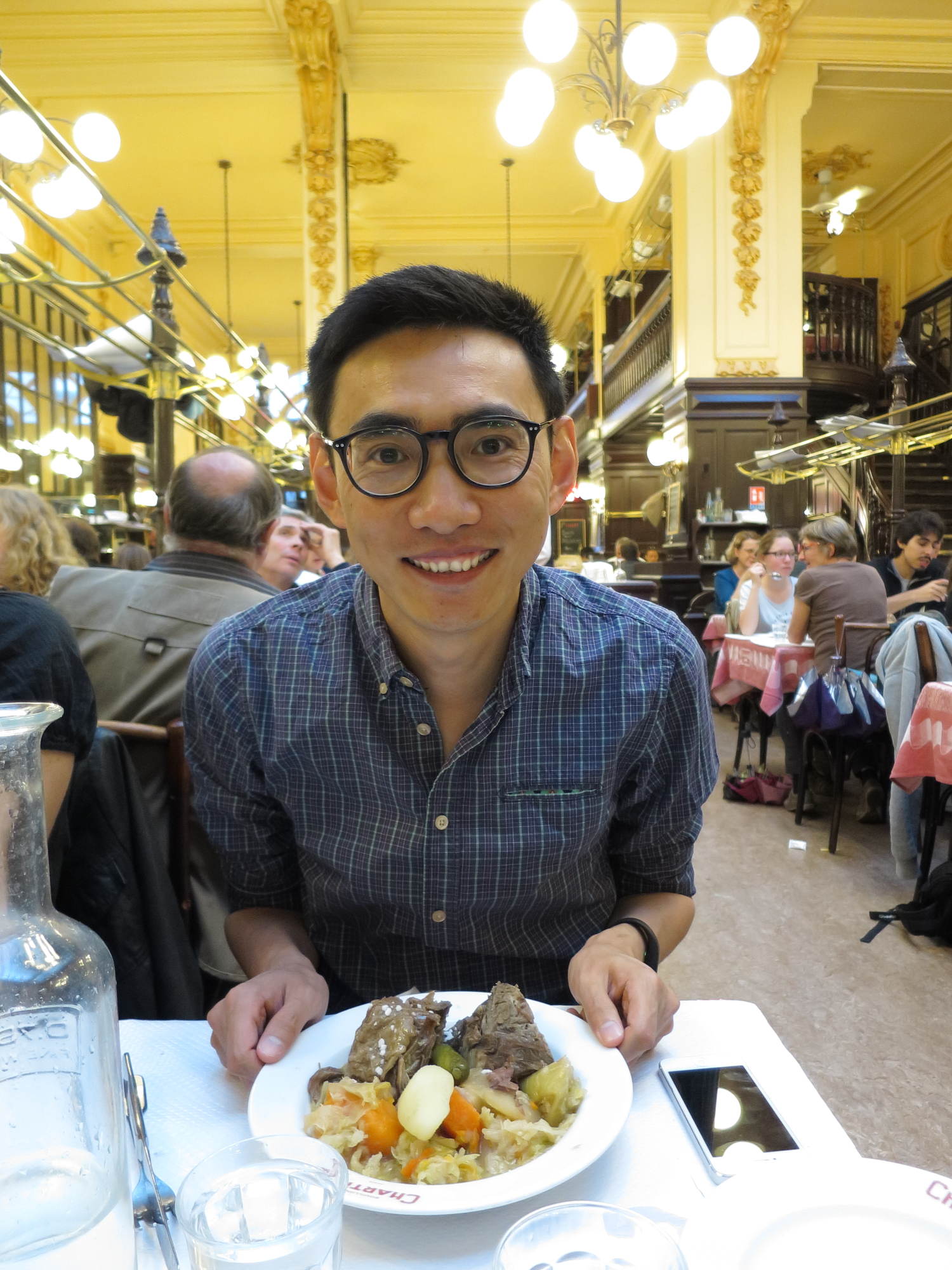 Kristoffer at at Bouillon Chartier