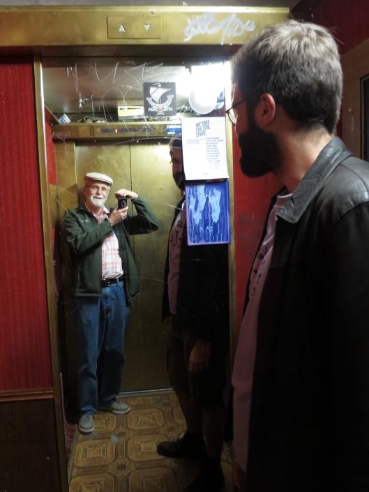 Selfie in sketchy banlieue elevator